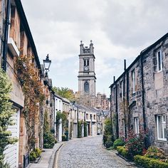 Circus Lane in Stockbridge is one of the most photogenic streets in Edinburgh