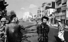 Eddie Adams, General Nguyen Ngoc Loan executing a Vietcong prisoner, Nguyen Van Lem, on a Saigon street, February 1, 1968.