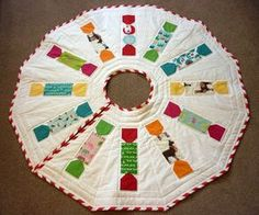 Animal Crackers Christmas Tree Skirt   A free pattern by Reene @Nellie's Niceties.          This pattern is intended for personal use onl...