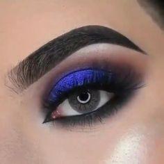 Makeup Looks Tutorial, Smokey Eye Makeup Tutorial, Eye Makeup Steps, Eye Makeup Art, Blue Eye Makeup, Eyebrow Makeup, Skin Makeup, Blue Dress Makeup, Red Eyeshadow