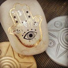 #rockon #yourock #henna #hennatattoo #eye #hamsa #handoffatima #protectfromevil #gold #black #goldandblack #stone #contrast #gypsysoul #metallic #boho #bohochic #bohoculture #handmade #souvenir #forhim #forher