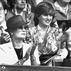 "Grimaldi & Casiraghi op Instagram: ""Princess Grace of Mônaco with the Young princess Diana, princess of…"" My Princess, Princess Diana Pregnant, Funny Princess, Princess Of Wales, Lady Diana Spencer, Karen Spencer, Charles Spencer, Lady Sarah Mccorquodale, Royal Families"