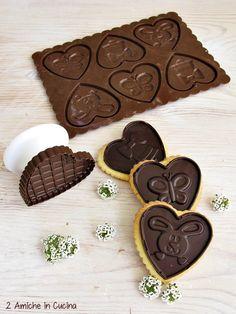 biscotti allo zafferano e cioccolato fondente con stampi Silikomart