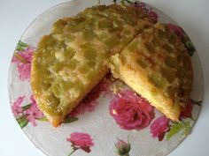 Gâteau à la rhubarbe : Recette de Gâteau à la rhubarbe - Marmiton