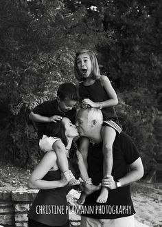 creative family photography poses