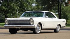 1965 Ford Galaxie 500XL 2-Door Hardtop Classic Car Garage, Ford Classic Cars, Ford Galaxie, Old Ford Trucks, Ford Lincoln Mercury, Old Fords, Unique Cars, Car Ford, Custom Cars