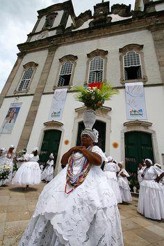 Lavagem do Bonfim 2010 Bahia, Salvador - Brazil Brazilian People, Brazilian Women, Brazil Facts, Bahia Brazil, Living In Brazil, Portuguese Culture, Paraiba, Dark Photography, African Culture