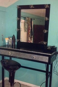 Bedazzled make-up vanity table<3<3 - -I like this because it seems to be made so hair and make-up pros can come to the home