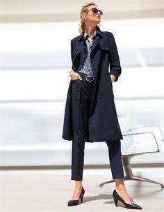 Ein wahrer Business-Partner: Der edle Trenchcoat ist die perfekte Ergänzung der souveränen Business-Garderobe.