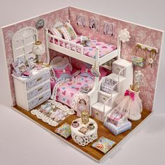Aliexpress.com: Compre 2015 nova Arrive1 : 12 Miniatura de boneca de madeira incluem móveis capa de poeira de luz em Miniatura de bonecas para crianças presentes brinquedos de confiança casa de bonecas da marca fornecedores em HELLO, LADY