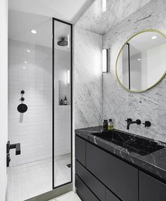 Stunning Black Marble Bathroom Design Ideas 48 Stunning Black Marble Bathroom Design Ideas Bathroom Black with regard to ucwords] Modern Master Bathroom, Modern Bathroom Design, Bathroom Interior Design, Small Bathroom, Master Bathrooms, Bathroom Mirrors, Interior Modern, Bathroom Cabinets, Bathroom Designs