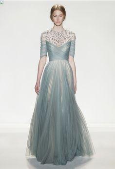 Jenny Packham. Love love this dress, Grace Kelly esque.