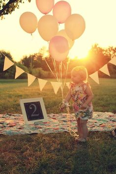 Birthday photo ideas: photography by Lindsey Shults