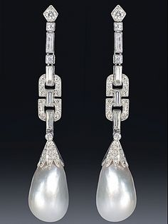 An exquisite pair of Art Deco natural pearl and diamond platinum earrings. Pearl And Diamond Earrings, Pearl Jewelry, Antique Jewelry, Vintage Jewelry, Vintage Rings, Platinum Earrings, Diamond Brooch, Art Deco Earrings, Art Deco Jewelry