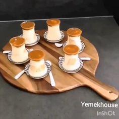 """Ikram ettiğiniz komşularınız, akrabalarınız size inanmayacak, """"Hazır aldın dimi"""" diyecekler 😊 🎥👉 @yoreselyemegim < Takip! > @yemekhouse… Cake Recipes, Snack Recipes, Dessert Recipes, Desserts, Cafe Pasta, Pasta Cup, Cinnabon, Best Vegan Recipes, Turkish Recipes"""