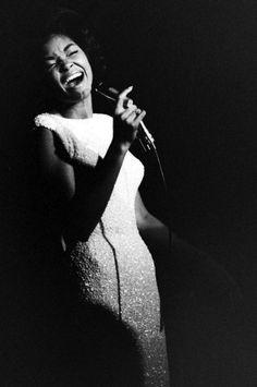 jazz singer Nancy Wilson (via PearlModern)