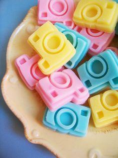 Mini Cotton Candy Camera Soap Set por LoveLeeSoaps en Etsy, $7.00