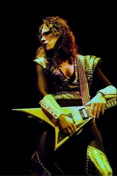 Happy 64 birthday Vinnie vincent the ankh warrior we all love you and we all miss you very much in our hearts forever I Love It Loud, Kiss Me Love, Kiss Pictures, Band Pictures, Banda Kiss, Roisin Dubh, Kiss Members, Vinnie Vincent, Rock Bands