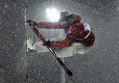JO Sotchi - 18 février 2014 : Mike Riddle remporte une médaille en ski acrobatique / demi-lune.