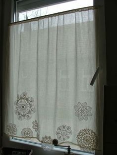Handmade from Ladolli - doily curtain - Women Weaves Cabin Curtains, Curtains With Blinds, Drapes Curtains, Diy Blinds, Doilies Crafts, Crochet Curtains, Crochet Decoration, Crochet Home, Window Coverings