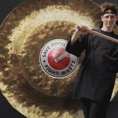 Ogni alimento ha il suo posto. I Food Ninja conservano gli alimenti in modo intelligente prolungandone così la vita. Scopri come tenere sotto controllo il contenuto della cucina e degli armadietti. Ainsi, Conservation, Food, Ninjas, The Length, Cupboards, Canning, Food Items, Meals