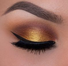 Foiled Sunset look by the always stunning Ely Marino! She uses Makeup Geek's Peach Smoothie, Chickadee, Flame Thrower, Fortune Teller, Magic Act, Showtime, and Untamed eyeshadows along with Immortal gel liner. Click to learn the steps to recreate this warm golden look!