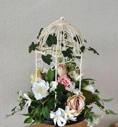 Wedding Bird cage Floral decoration available on Etsy! Teen Girl Decor, Baby Girl Room Decor, Teenage Girl Bedrooms, Girls Bedroom, Bedroom Ideas, Bedroom Decor, Vintage Pink, Etsy Vintage, Vintage Cups