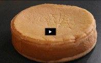 Vous voulez apprendre à faire une génoise ? Suivez bien les étapes de notre vidéo afin de réaliser ce biscuit.