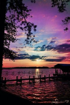 Inspiring sunset natural scenery breathtaking purples, blues over water. Beautiful Sunset, Beautiful World, Beautiful Images, Simply Beautiful, Beautiful Things, Amazing Sunsets, House Beautiful, Beautiful Scenery, Absolutely Gorgeous