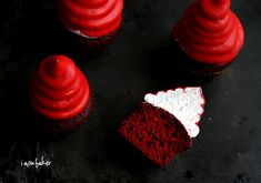 Blood Red Velvet Hi-Hat Cupcakes! Blood Red Velvet Hi-Hat Cupcakes! Red Velvet Cupcakes, Velvet Cake, Red Velvet Desserts, Frosting Recipes, Cupcake Recipes, Cupcake Cakes, Dessert Recipes, Cupcake Toppers, Just Desserts