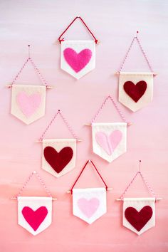 Mini Heart Banners DIY | Oh Happy Day! | Bloglovin'