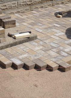 Mounting a Block or Paver Walkway – Outdoor Patio Decor Brick Paver Patio, Paver Walkway, Concrete Pavers, Walkways, Outdoor Walkway, Brick Path, Sand Patio, Backyard Patio, Backyard Landscaping