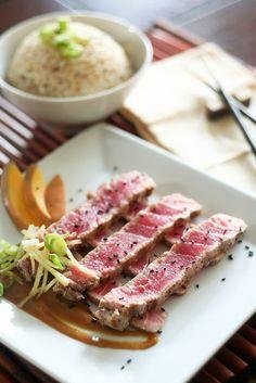 Grilled tuna steak with spicy mango sauce