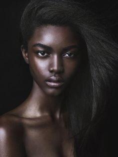 theworldsfreshestafricans:  Beautiful and flawless :)