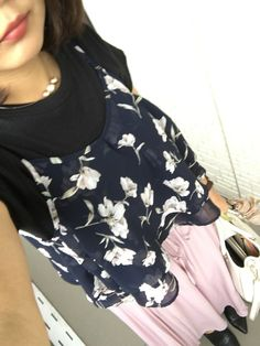 Floral Tops, Blouse, How To Wear, Women, Fashion, Moda, Top Flowers, Blouses, Fasion
