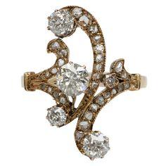 Victorian Scrollwork Diamond