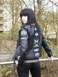 showing the feminine beauty of girls in black metal. SEND YOUR PHOTO TO US -l- 666 -l- legions of black metal join us -l- 666 -l- Dark Beauty, Goth Beauty, Dark Fashion, Grunge Fashion, Gothic Fashion, Heavy Metal Girl, Heavy Metal Fashion, Ladies Of Metal, Battle Jacket