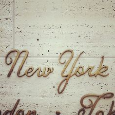 harry winston font lettering new york marble wall sign Typography Love, Typography Inspiration, Typography Letters, Graphic Design Typography, Design Inspiration, Script Lettering, Travel Inspiration, Calligraphy, Harry Winston