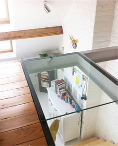 6a0162fdc1d135970d01b8d114f1f1970c-pi (600×747) Interior Stairs, Interior And Exterior, Interior Design, Walking On Glass, Victoria House, Casa Loft, Casa Patio, Hall Lighting, Glass Structure