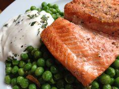 salmon with peas and spicy yoghurt Spicy, Food, Inspiration, Beautiful, Mint, Yogurt, Salmon, Kochen, Recipies