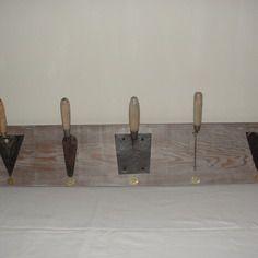Porte manteau mural outils et bois