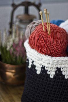 DIY crochet basket Diy Crochet Basket, Straw Bag, Bags, Handbags, Bag, Totes, Hand Bags