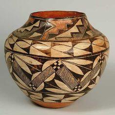 take me to santa fe Native American Baskets, Native American Pottery, Native American Jewelry, Native American Indians, Pottery Vase, Ceramic Pottery, Ceramic Art, Navajo Pottery, Pueblo Pottery