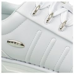 The Changeover lifestyle sneakers by Lugz will give you a signature style of your own. Synthetic upper in an athletic lifestyle sneaker styleLace-up front, padded tongue and collarFolded edge upper constructionLogo hardware detailTextile lining, cushioning footbedTraction outsole