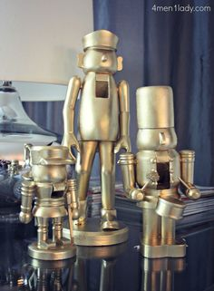 DIY: purchase cheap nutcrackers (dollar store) and spray paint All Things Christmas, Holiday Fun, Christmas Holidays, Christmas Decorations, Modern Christmas, Happy Holidays, Festive, Xmas, Dollar Store Crafts