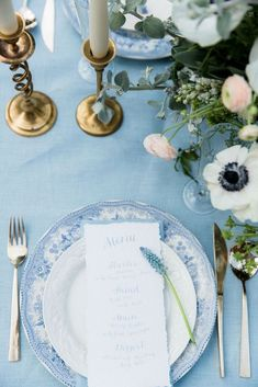 Delft Blue Wedding Inspiration by Anouschka Rokebrand & Styled by Louise | SouthBound Bride | http://www.southboundbride.com/delft-blue-wedding-inspiration