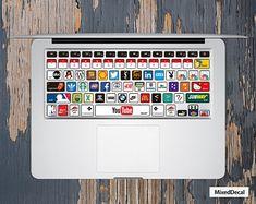 13 Hund am Lagerfeuer Apple MacBook Air Pro Aufkleber Skin Decal Sticker Vinyl