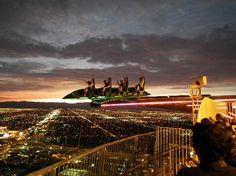 屋上で滑ったり回ったりして楽しむラスベガス 「死ぬまでに見ておきたい、空からの絶景 15」 トリップアドバイザー