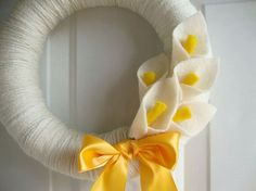 Yarn Wreath with Calla Lilly