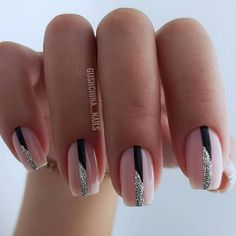 Soft pink with black and silver lines for simply lovely nails. Sparkle Nails, Silver Nails, Fancy Nails, Pink Nails, Cute Nails, Pretty Nails, Silver Nail Designs, Cute Nail Designs, Arylic Nails